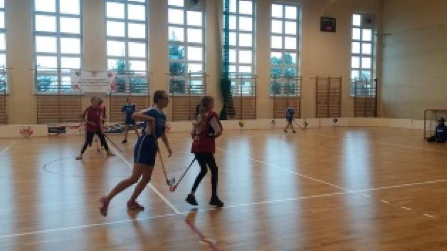 Mistrzostwa Powiatu w Unihokeju Szkół Podstawowych w kategorii dziewcząt i chłopców klas VII-VIII